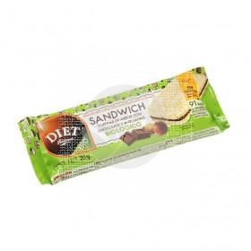 Sandwich Tortitas De Arroz rellenas De Cacao y Avellanas Diet-Radisson